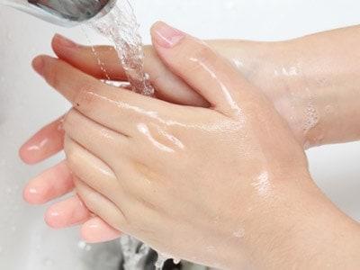 FOODTEST - tiszta bőrfelület szükséges